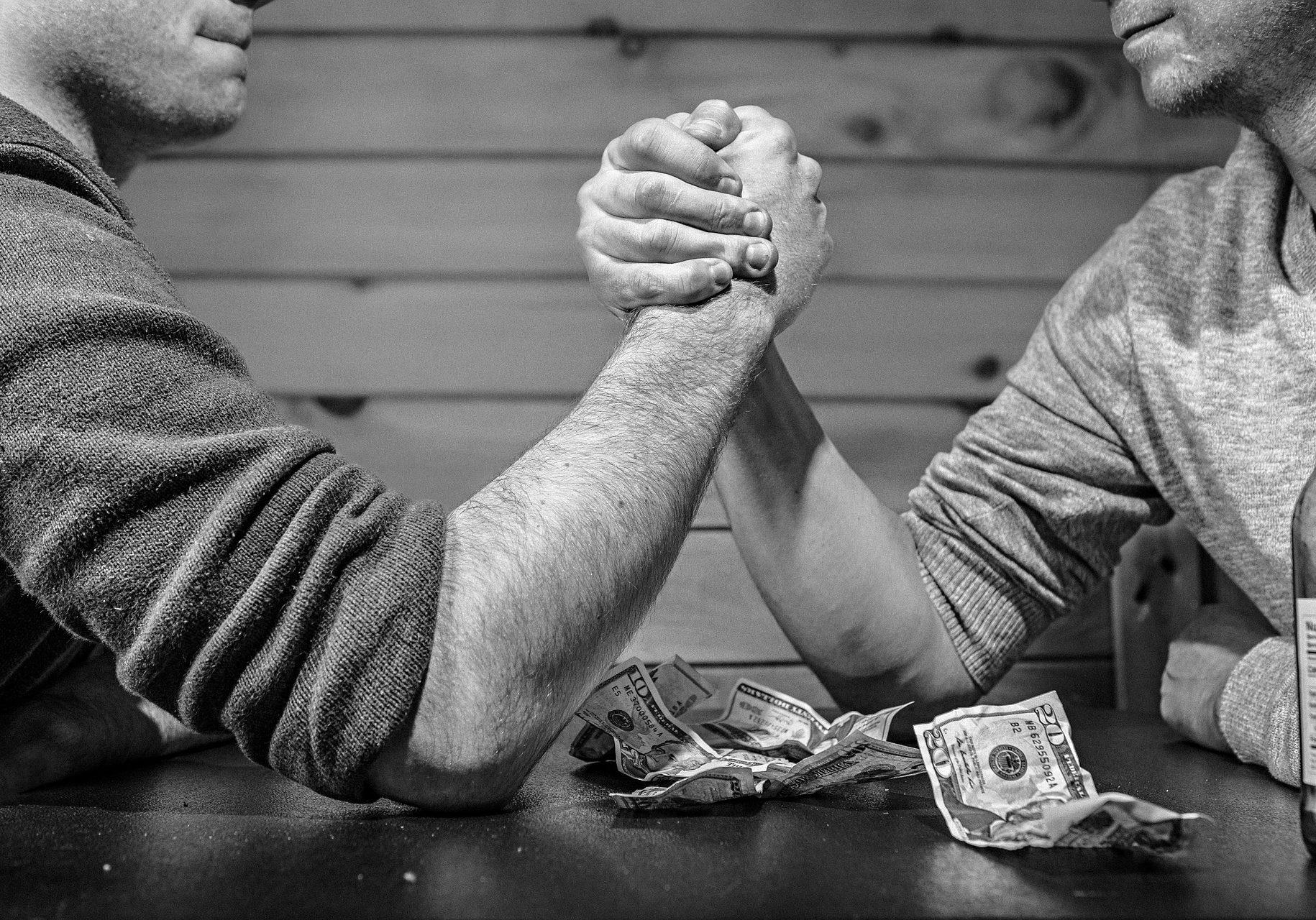 arm-wrestling-567950_1920